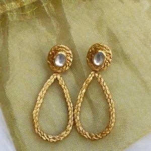 Julie Vos statement earrings!